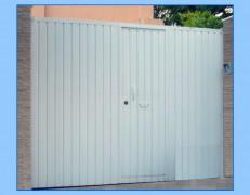 Puerta de garaje modelo LACADA RECTA
